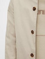 J. Lindeberg - Cane Micro Twill Coat - manteaux legères - sand grey - 6