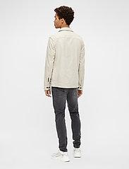 J. Lindeberg - Eric Cotton Linen Jacket - oberteile - sand grey - 3