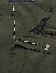 J. Lindeberg - Sasha cargo-Active wool - bojówki - covert green - 11