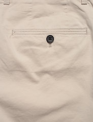 J. Lindeberg - Nathan-Super Satin - chinos shorts - cloud grey - 4