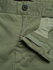 J. Lindeberg - Nathan-Super Satin - chinos shorts - sage green - 3