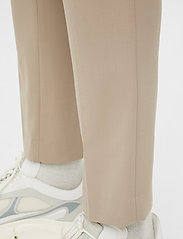 J. Lindeberg - Grant Stretch Twill Pants - chinos - sand grey - 6