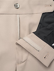 J. Lindeberg - Grant Stretch Twill Pants - chinos - sand grey - 8