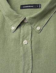J. Lindeberg - Fredrik BD SS-Clean Linen - chemises basiques - sage green - 2
