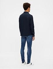 J. Lindeberg - Clean Linen Slim Shirt - basic-hemden - jl navy - 3