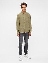 J. Lindeberg - Clean Linen Slim Shirt - basic-hemden - lake green - 4