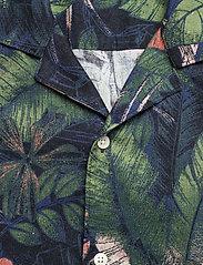 J. Lindeberg - Seasonal Print SS Resort Shirt - leinenhemden - black - 5