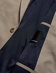 J. Lindeberg - Donnie Soft-Natural Comfort - single breasted suits - burro - 4