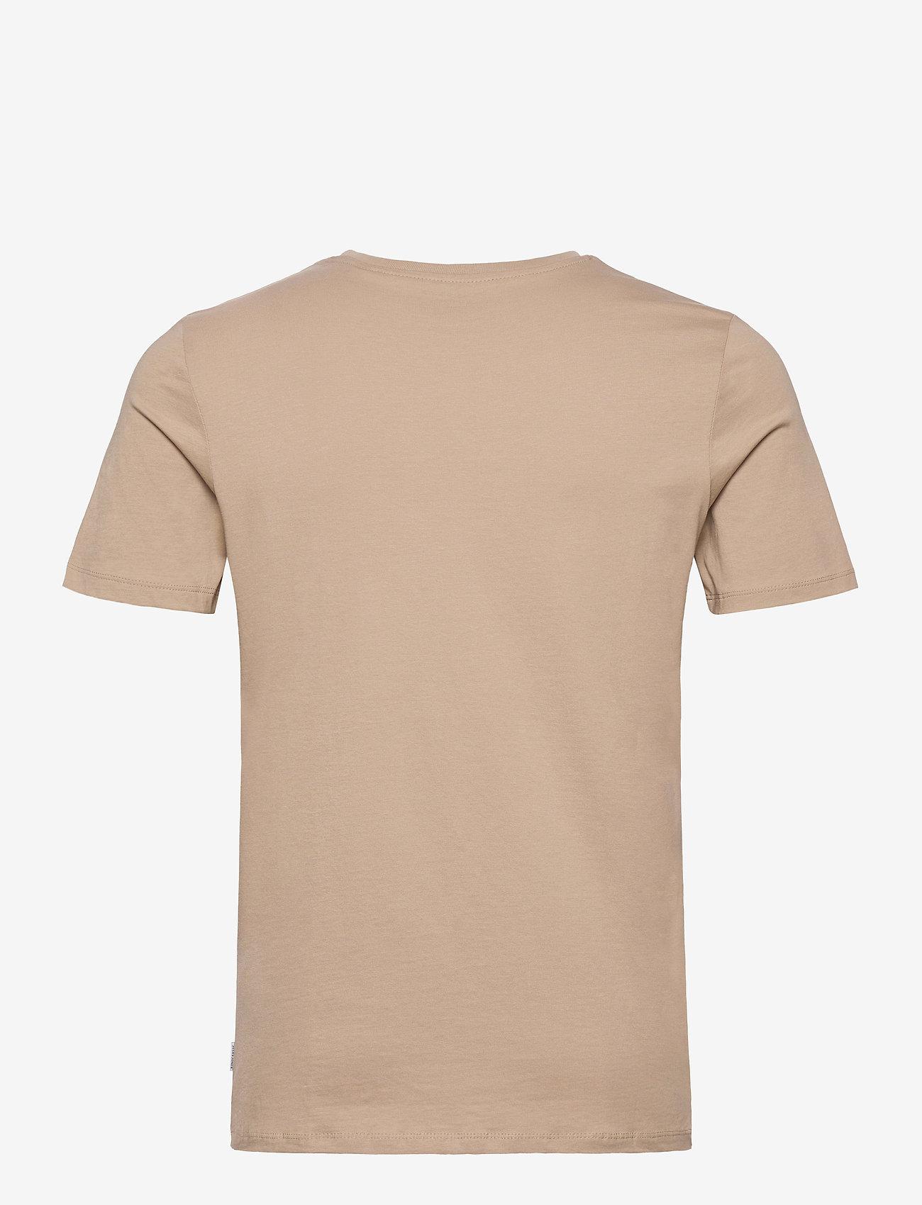 Jack & Jones - JJEORGANIC BASIC TEE SS O-NECK NOOS - basic t-shirts - crockery - 1