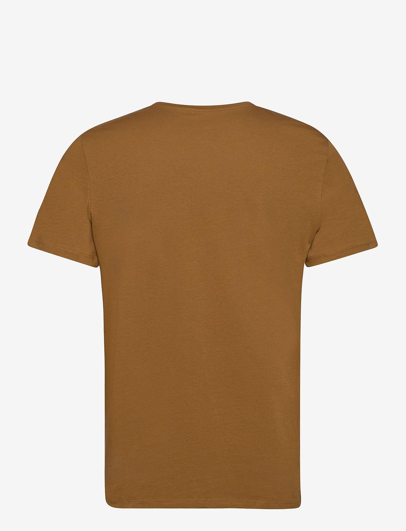 Jack & Jones - JOROLIVER TEE SS CREW NECK - kortärmade t-shirts - rubber - 1
