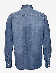 Jack & Jones - JJESHERIDAN SHIRT L/S - jeansskjortor - medium blue denim - 1