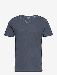 Jack & Jones - JJESPLIT NECK TEE SS - kortärmade t-shirts - navy blazer - 0