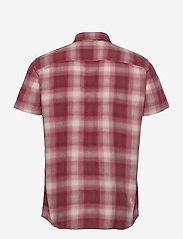 Jack & Jones - JPRBLUHUNTER SHIRT S/S ONE POCKET - kortärmade skjortor - red dahlia - 1