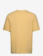 Jack & Jones - JORBRINK TEE SS CREW NECK - basic t-shirts - sahara sun - 1