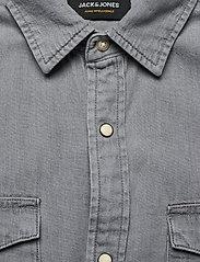 Jack & Jones - JJESHERIDAN SHIRT L/S - jeansskjortor - light grey denim - 2