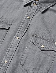 Jack & Jones - JJESHERIDAN SHIRT L/S - jeansskjortor - light grey denim - 3