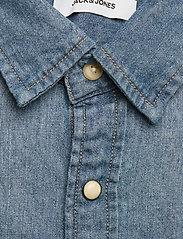 Jack & Jones - JJESHERIDAN SHIRT L/S - jeansskjortor - medium blue denim - 2
