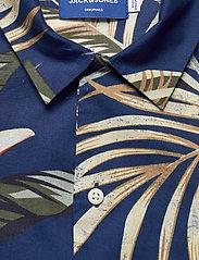 Jack & Jones - JORMARTY ORGANIC SHIRT SS - kortermede skjorter - blue depths - 3