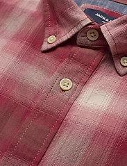 Jack & Jones - JPRBLUHUNTER SHIRT S/S ONE POCKET - kortärmade skjortor - red dahlia - 3
