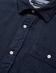Jack & Jones - JPRBLUNICK MIX SHIRT L/S ONE POCKET LTN - basic skjortor - dark blue denim - 3