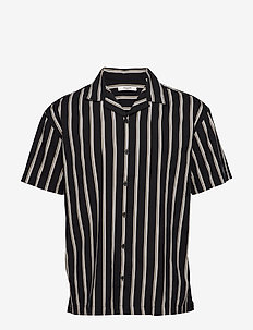 JPRBLASTRIPE RESORT SHIRT S/S RELAX - chemises à manches courtes - black