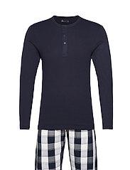 Pyjamas lang buks - STRIBET