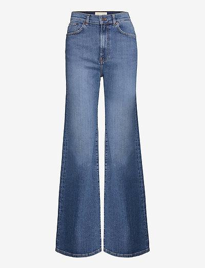 FW007 - utsvängda jeans - mid vintage