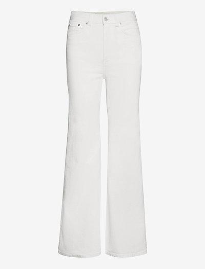 FW007 - utsvängda jeans - natural white