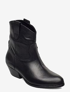 Awa - ankelboots med klack - black leather