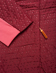 Johaug - Avail Jacket - friluftsjackor - caber - 5