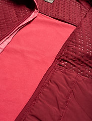 Johaug - Avail Jacket - friluftsjackor - caber - 6