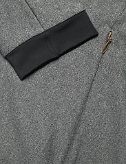 Johaug - Impel Full Zip - svetarit - tblck - 3