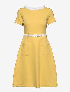 Paulina - do kolan & midi sukienki - yellow