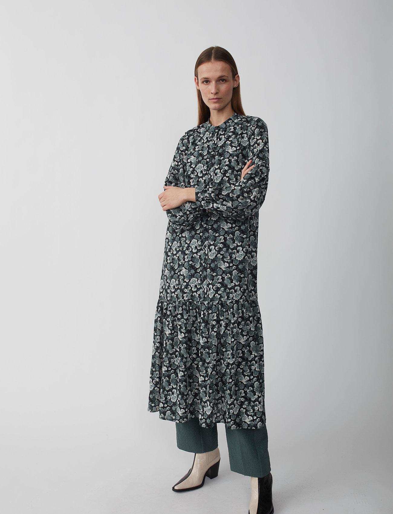 Just Female - Effie maxi dress - midi dresses - blue flower aop - 0