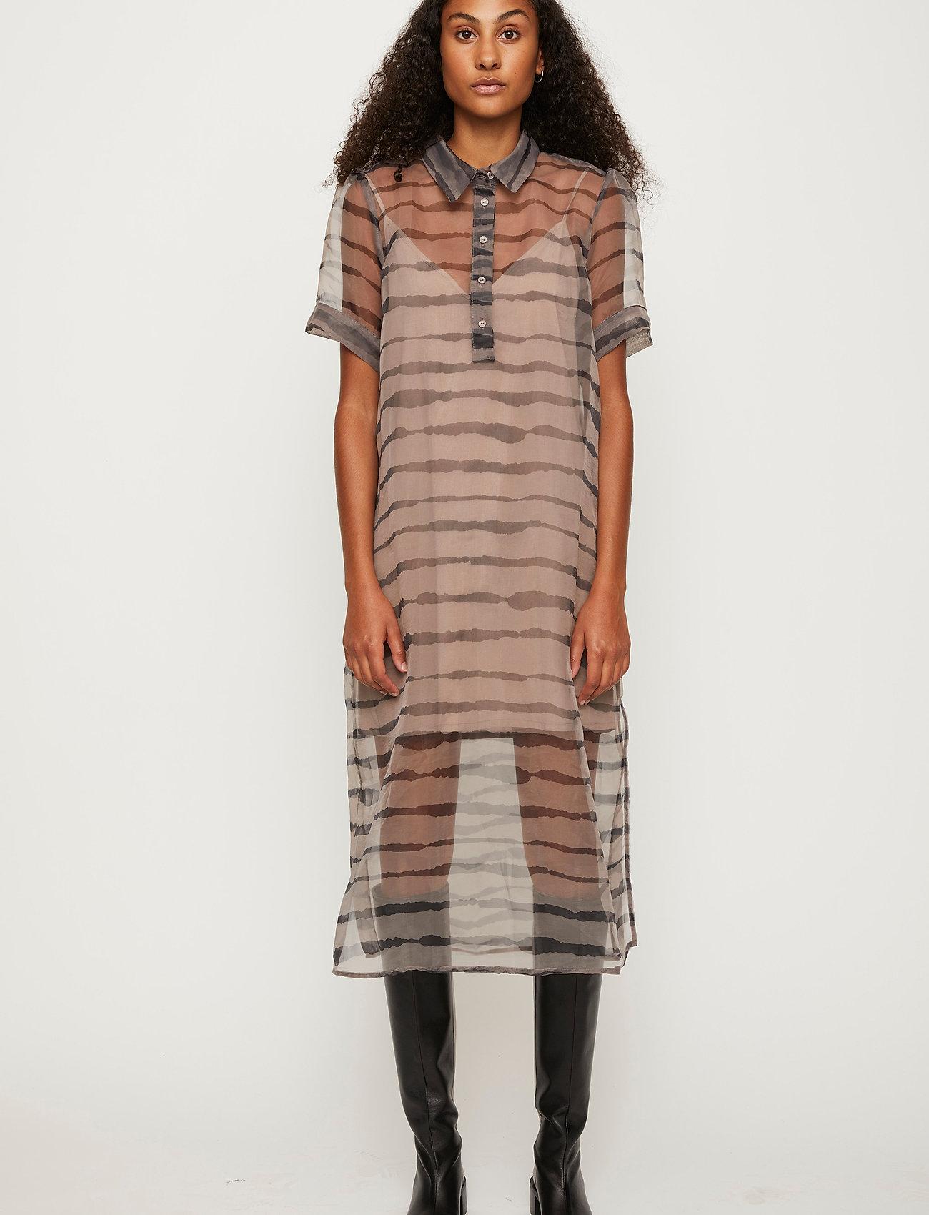 Just Female - Moca polo dress - midi dresses - uneaven lines aop - 0