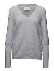 Chinne v neck knit - Kentucky blue