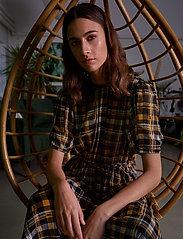 Just Female - Brix dress - midi dresses - karen check aop - 0