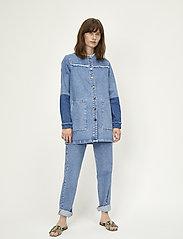 Just Female - Norma denim jacket - vestes en jean - blue denim - 0