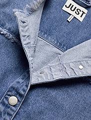 Just Female - Norma denim jacket - denimjakker - blue denim - 5