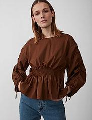 Just Female - Brenda blouse - långärmade blusar - emperador - 0