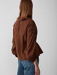 Just Female - Brenda blouse - långärmade blusar - emperador - 5