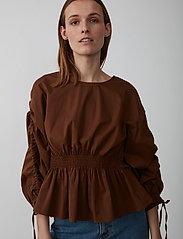 Just Female - Brenda blouse - långärmade blusar - emperador - 6