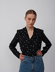 Just Female - Jessie shirt - long sleeved blouses - blue daisy aop - 0