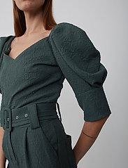 Just Female - Bonnie trousers - bukser med brede ben - balsam green - 4