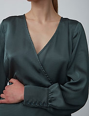 Just Female - Minnie blouse - long sleeved blouses - balsam green - 4