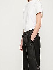 Just Female - Paso leather bermuda - leather shorts - black - 4