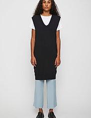 Just Female - Manta knit vest - knitted vests - black - 0