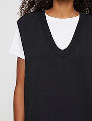 Just Female - Manta knit vest - knitted vests - black - 4