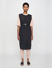 Just Female - Hisar vest - puffer vests - black - 0