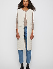 Just Female - Hisar vest - puffer vests - pumice stone - 3